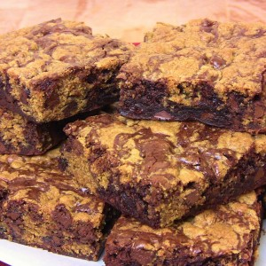 yt-1929-Chocolate-Chip-Cookie-Brownie-Bars-An-Easy-Chocolate-Treat-Cooking-With-Carolyn